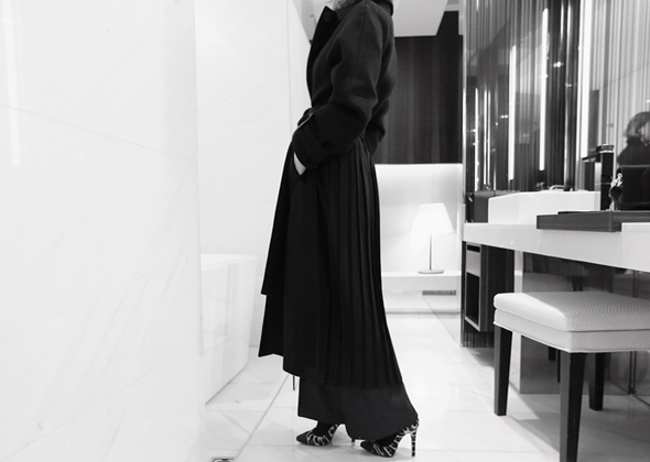 pleats long coat