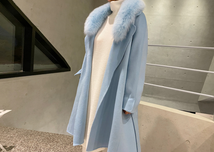 [SALE] blue sky fur coat
