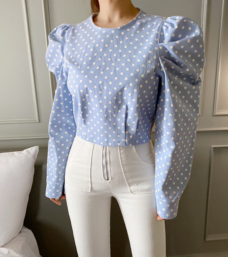 dot puff blouse