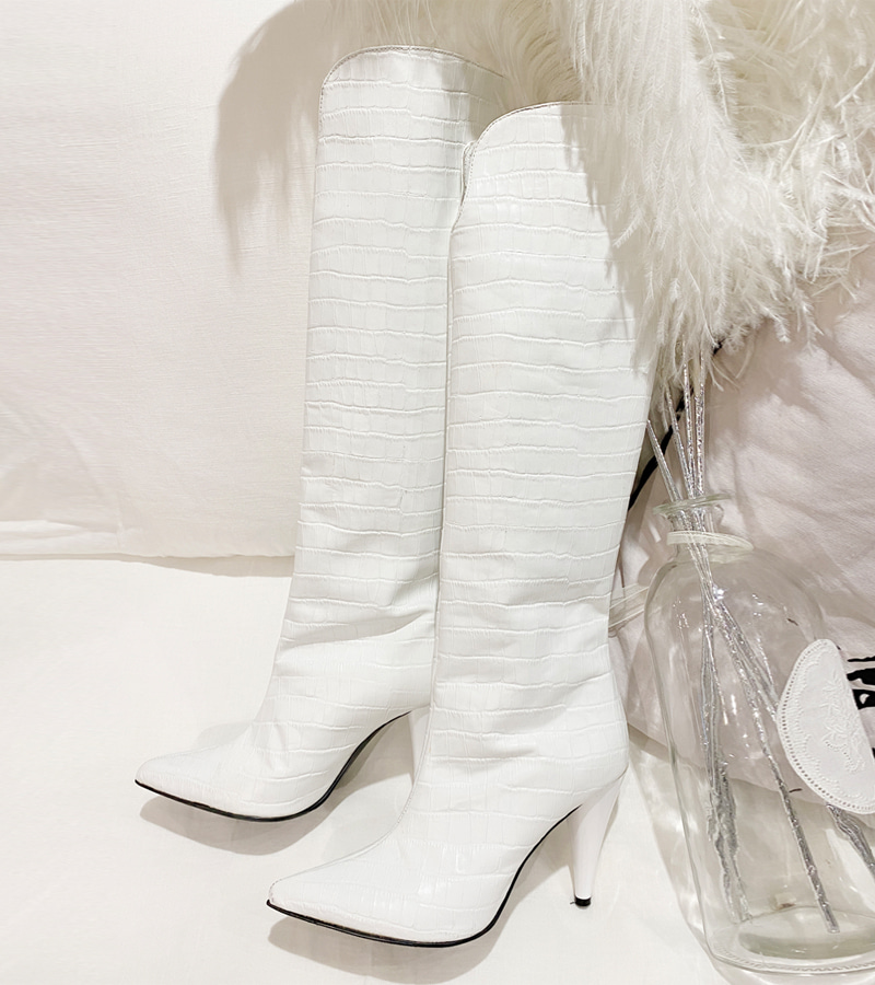 walking art boots (white) - long