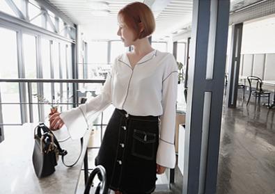 taping blouse 2