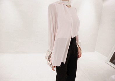 sequined blouse (peach)